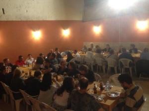 tavolata a cena con i giovani e Don Alfonso a Bari